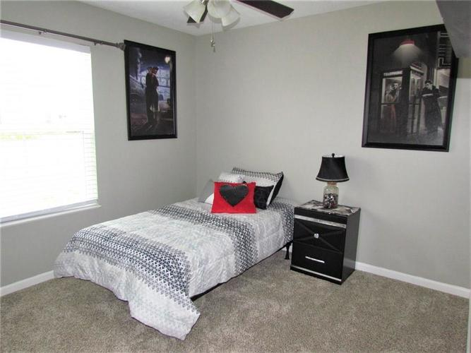 7526 Firecrest Lane Camby IN 46113 | MLS 21725817 | photo 15