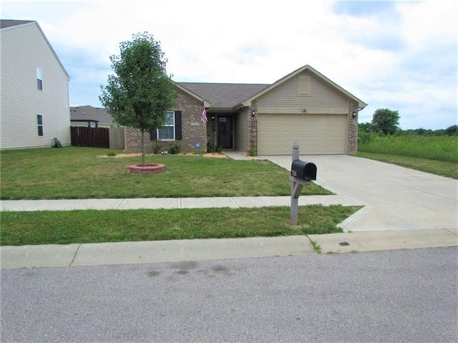 7526 Firecrest Lane Camby IN 46113 | MLS 21725817 | photo 2