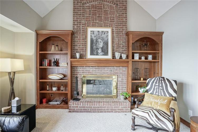 8351 Misty Drive Indianapolis IN 46236 | MLS 21726111 | photo 12