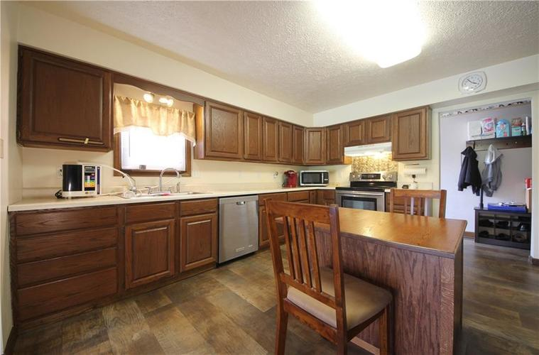 7297 Mendenhall Road Camby IN 46113 | MLS 21726249 | photo 5