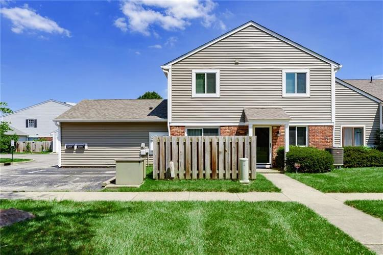 6009  Wingedfoot Court Indianapolis, IN 46254 | MLS 21726329
