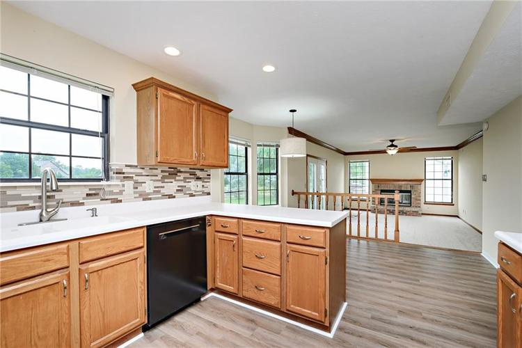 6833 Silver Tree Drive Indianapolis IN 46236 | MLS 21726388 | photo 10