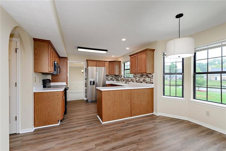 6833 Silver Tree Drive Indianapolis IN 46236 | MLS 21726388 | photo 14