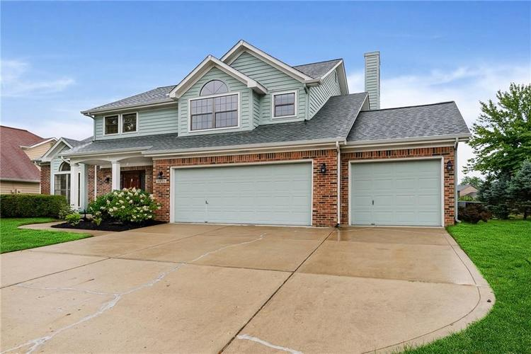 6833 Silver Tree Drive Indianapolis IN 46236 | MLS 21726388 | photo 2