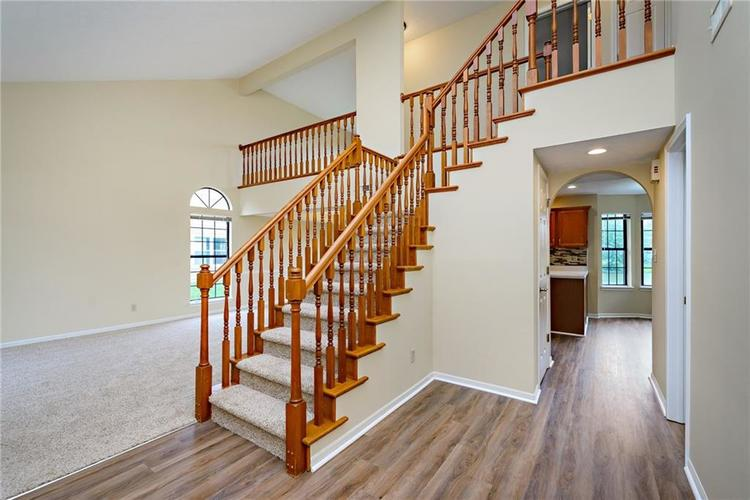6833 Silver Tree Drive Indianapolis IN 46236 | MLS 21726388 | photo 4