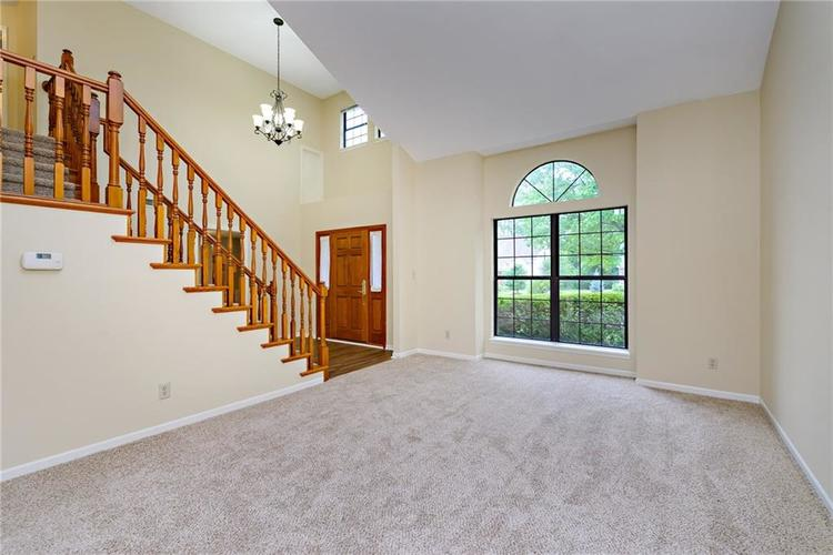 6833 Silver Tree Drive Indianapolis IN 46236 | MLS 21726388 | photo 8
