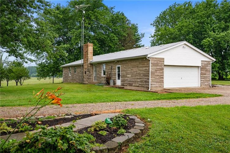 5753 W Country Road 200 South Connersville IN 47331 | MLS 21726504 | photo 20