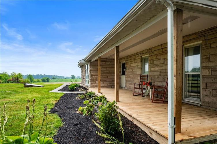 5753 W Country Road 200 South Connersville IN 47331 | MLS 21726504 | photo 6