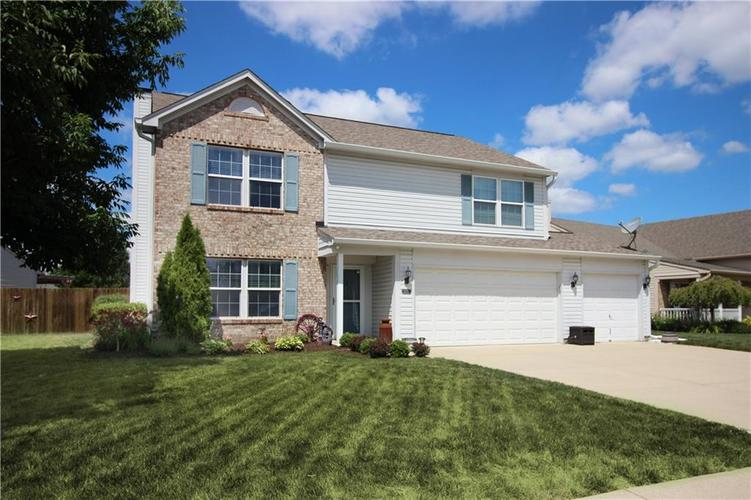 2870  FOXBRIAR Place Indianapolis, IN 46203   MLS 21727612