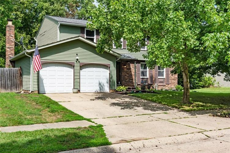 9434  Thornwood Drive Indianapolis, IN 46250 | MLS 21727886