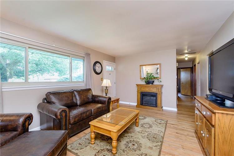 1218 N Routiers Avenue Indianapolis IN 46219 | MLS 21728540 | photo 6