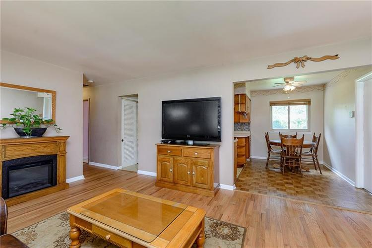 1218 N Routiers Avenue Indianapolis IN 46219 | MLS 21728540 | photo 7