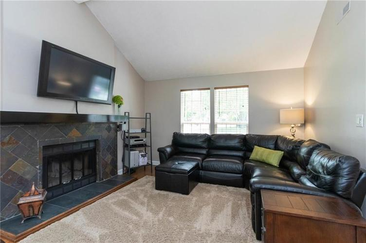 4330 Owl Court Indianapolis IN 46268 | MLS 21728581 | photo 6