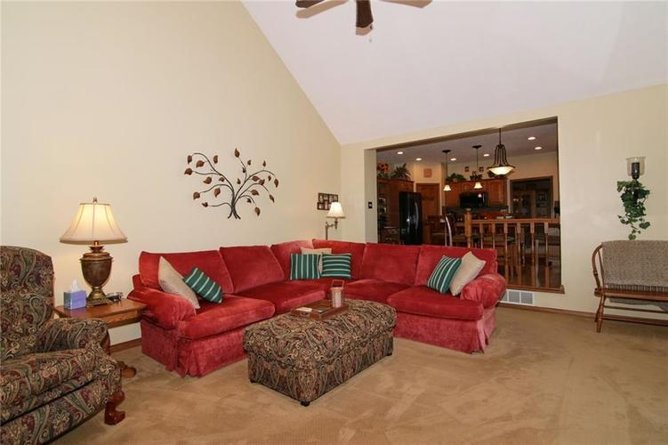 7096 Waterview Point Noblesville IN 46062 | MLS 21728675 | photo 14