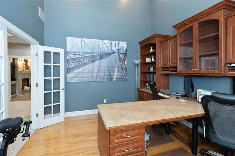 8836 Key Harbour Drive Indianapolis IN 46236 | MLS 21728680 | photo 15