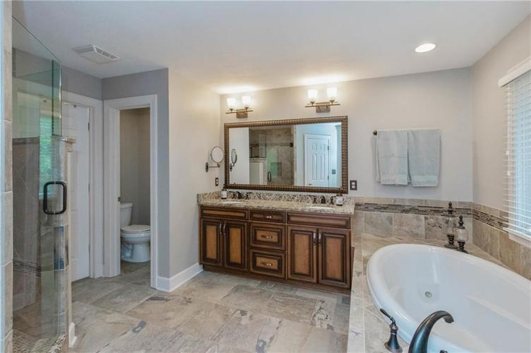8836 Key Harbour Drive Indianapolis IN 46236 | MLS 21728680 | photo 19