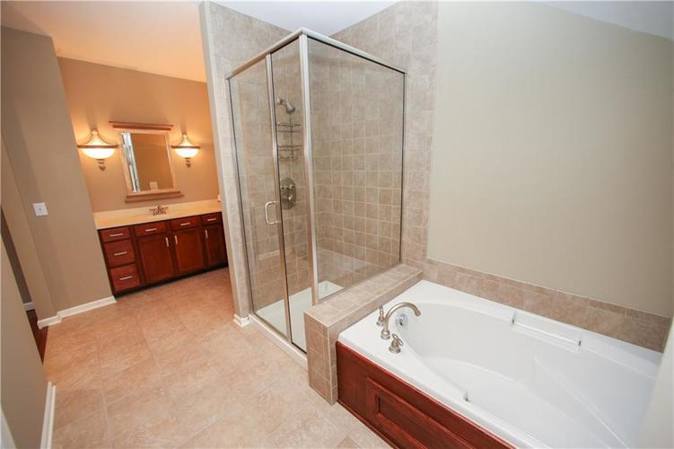 000 Confidential Ave.Westfield IN 46074 | MLS 21728775 | photo 33