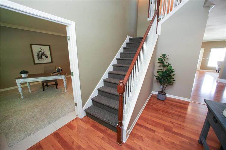 000 Confidential Ave.Westfield IN 46074 | MLS 21728775 | photo 5