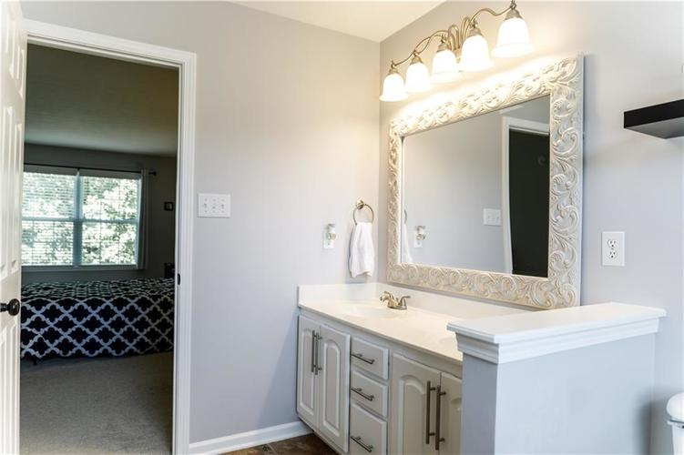 12769 Sinclair Place Fishers IN 46038 | MLS 21728925 | photo 14