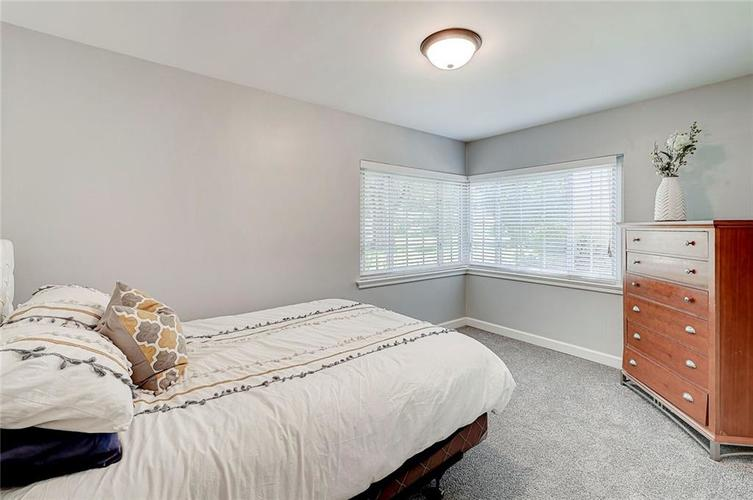1211 Crawford Drive Indianapolis IN 46220 | MLS 21729017 | photo 11