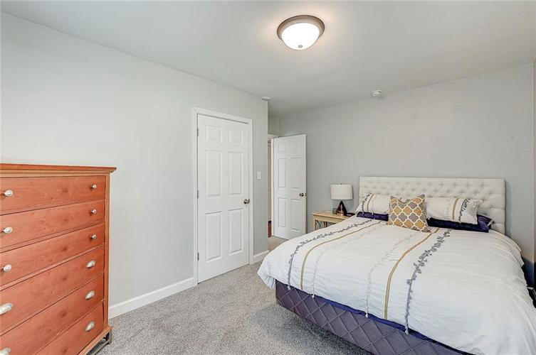 1211 Crawford Drive Indianapolis IN 46220 | MLS 21729017 | photo 12