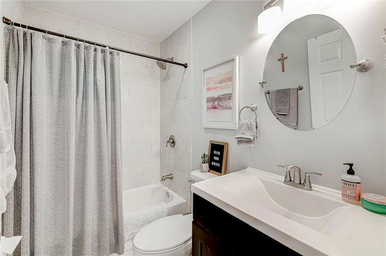 1211 Crawford Drive Indianapolis IN 46220 | MLS 21729017 | photo 13