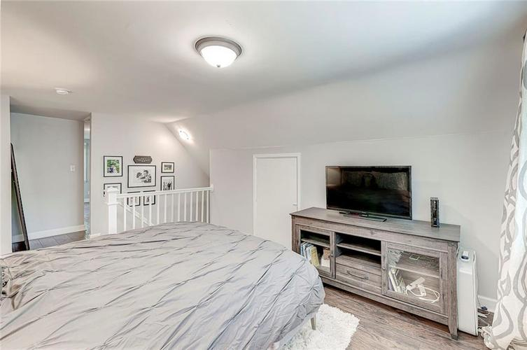 1211 Crawford Drive Indianapolis IN 46220 | MLS 21729017 | photo 17