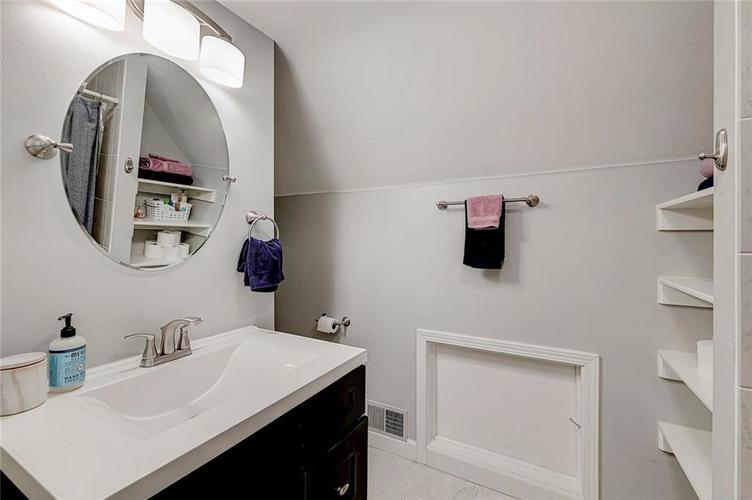 1211 Crawford Drive Indianapolis IN 46220 | MLS 21729017 | photo 18