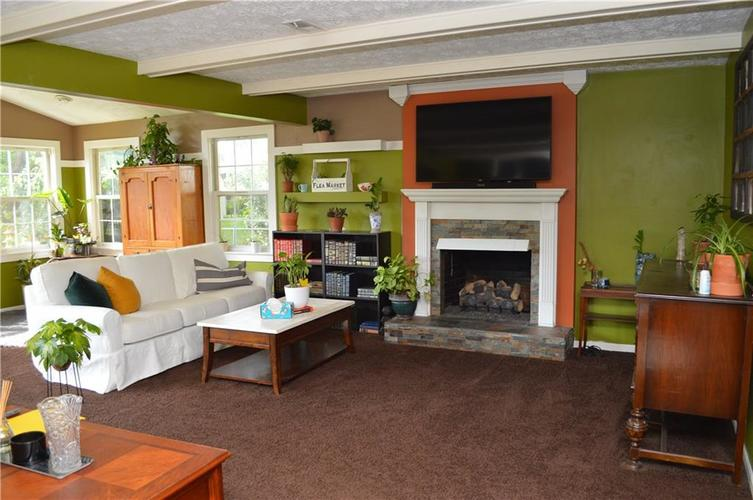 4823 Candy Spots Drive Indianapolis IN 46237 | MLS 21729061 | photo 4