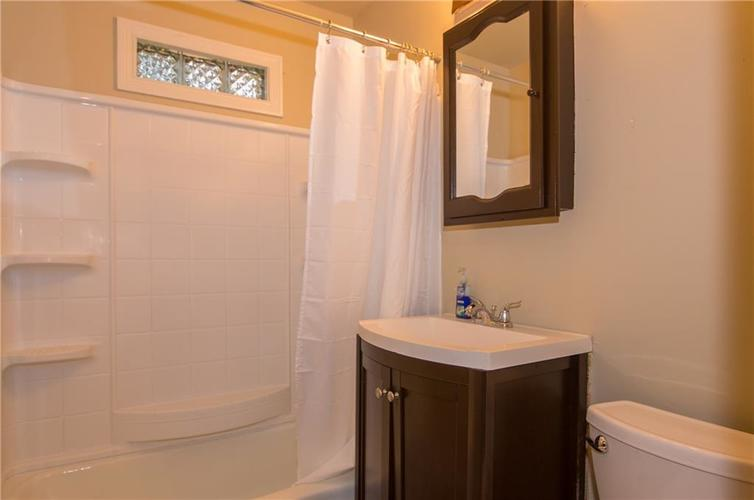 7415 E 48TH Street Indianapolis IN 46226   MLS 21729155   photo 15