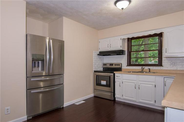 7415 E 48TH Street Indianapolis IN 46226   MLS 21729155   photo 6