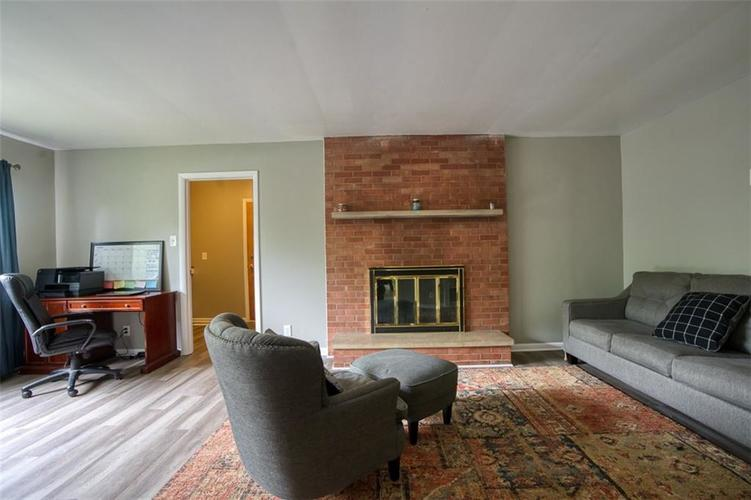 8317 E 13th Street Indianapolis IN 46219 | MLS 21729214 | photo 10