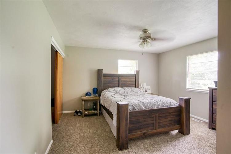 8317 E 13th Street Indianapolis IN 46219 | MLS 21729214 | photo 17
