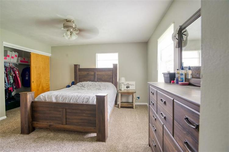 8317 E 13th Street Indianapolis IN 46219 | MLS 21729214 | photo 18