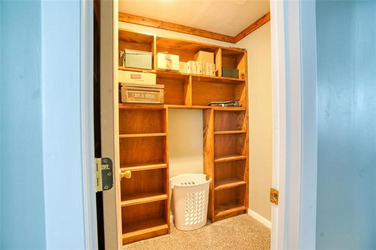 8317 E 13th Street Indianapolis IN 46219 | MLS 21729214 | photo 19