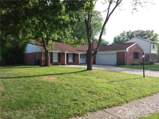 8317 E 13th Street Indianapolis IN 46219 | MLS 21729214 | photo 2