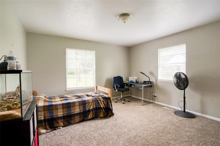 8317 E 13th Street Indianapolis IN 46219 | MLS 21729214 | photo 23