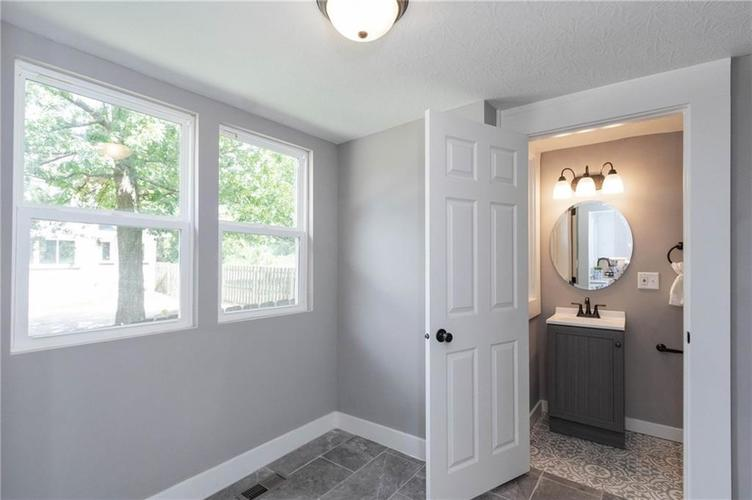 3068 E Fall Creek Parkway North Drive Indianapolis IN 46205 | MLS 21729249 | photo 16