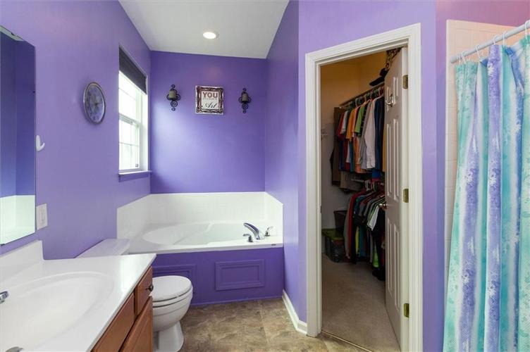 6623 Tramcus Drive Indianapolis IN 46260 | MLS 21729263 | photo 12