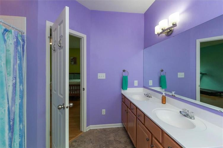 6623 Tramcus Drive Indianapolis IN 46260 | MLS 21729263 | photo 13