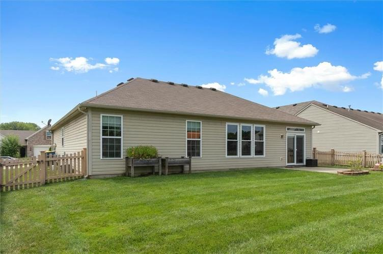 6623 Tramcus Drive Indianapolis IN 46260 | MLS 21729263 | photo 2