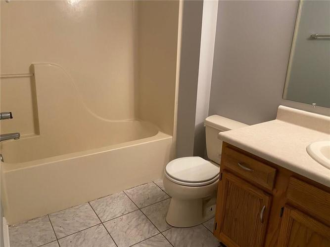 7811 BLUE WILLOW Drive Indianapolis IN 46239 | MLS 21729416 | photo 10
