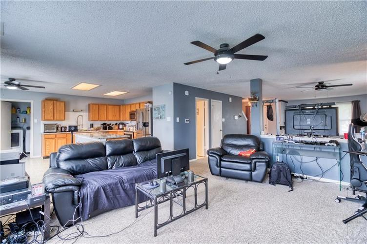 1828 Brassica Way Indianapolis IN 46217   MLS 21729418   photo 10