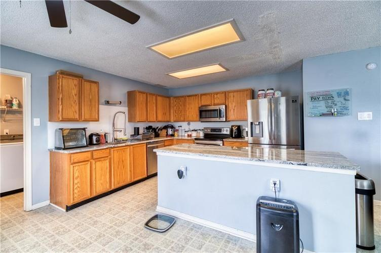 1828 Brassica Way Indianapolis IN 46217   MLS 21729418   photo 12