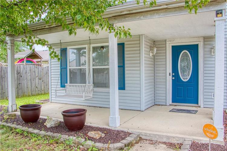 1828 Brassica Way Indianapolis IN 46217   MLS 21729418   photo 2