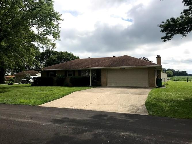 8304 S May Street Daleville, IN 47334 | MLS 21729580