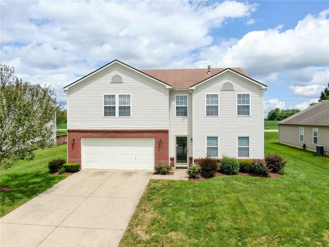 10316  Lyric Drive Indianapolis, IN 46235 | MLS 21729903