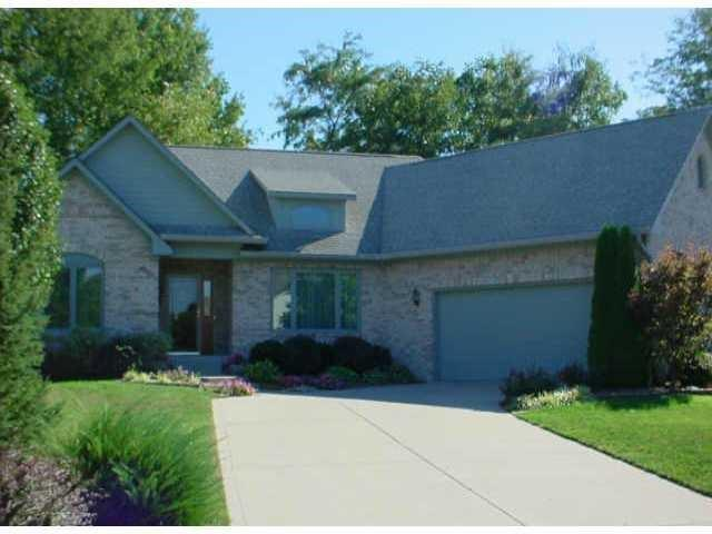 1561 N Victoria Court Greenwood, IN 46143 | MLS 21729915