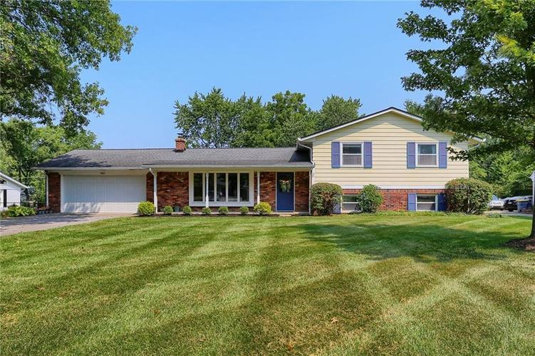 7853  WAWASEE Drive Indianapolis, IN 46250 | MLS 21731651