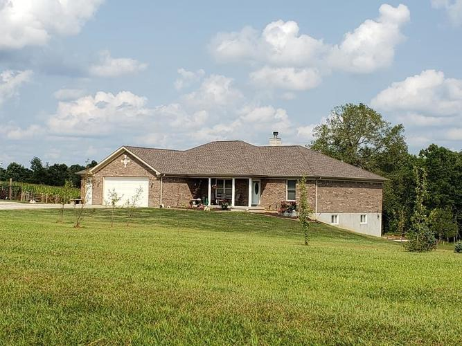 5458 S Beaver Road Glenwood, IN 46133 | MLS 21735125